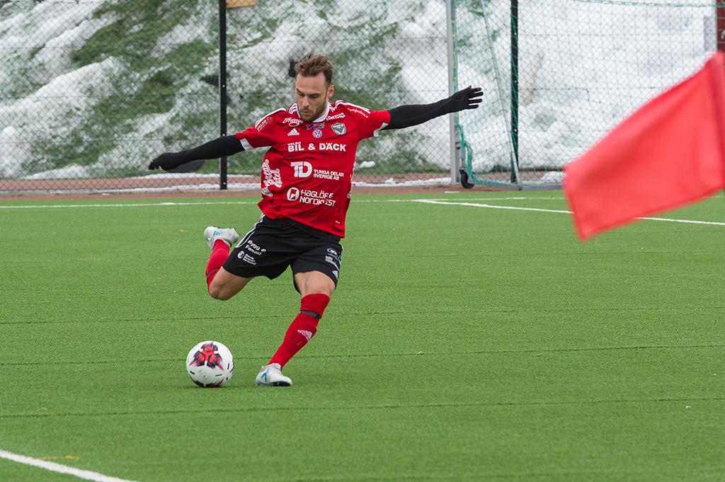 Björn Johansson har fokus på bollen
